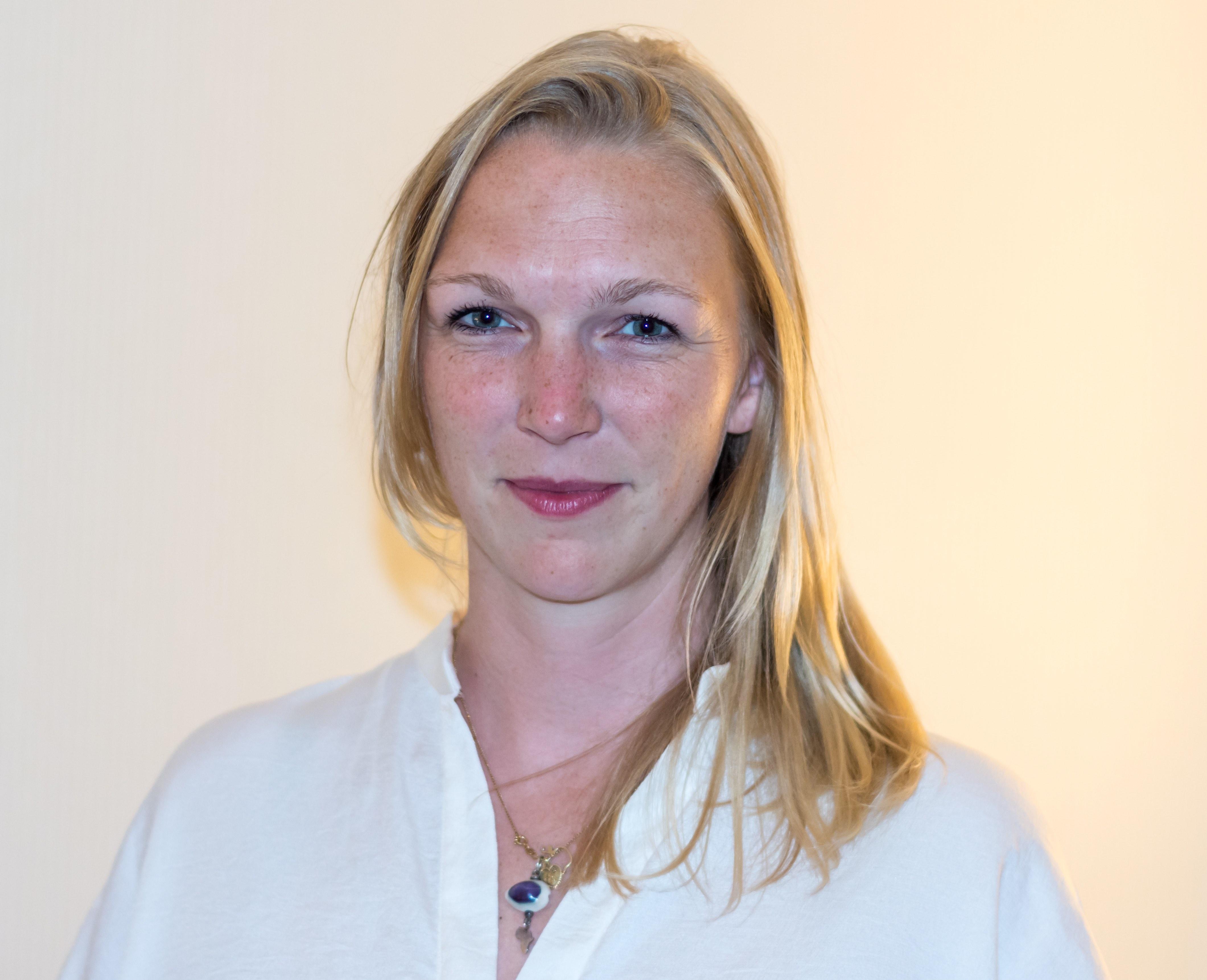 Dr. des. Anja Winkler